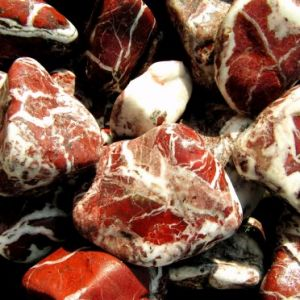 OK 18/ Mramor červený žilkovaný 2-4cm